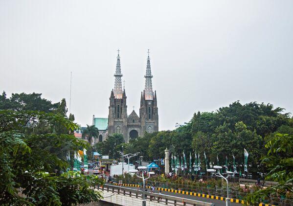 Римско-католический собор в Джакарте