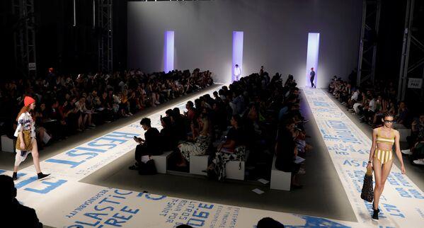 Показ коллекции Osklen на Неделе моды в Сан-Паулу