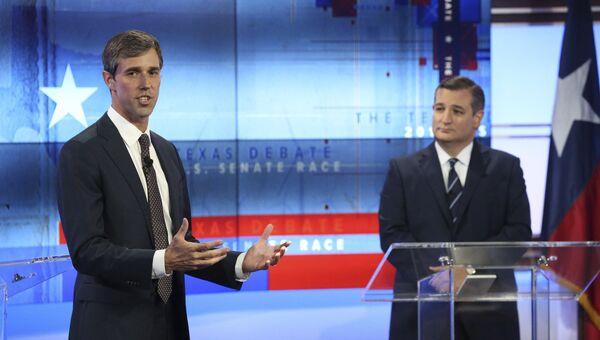 Техасский демократ Бето О'Рурк (слева) и республиканский сенатор Тед Круз во время предвыборных дебатов. 16 октября 2018