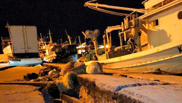Последствия землетрясения в порту греческого острова Закинф. 26 октября 2018