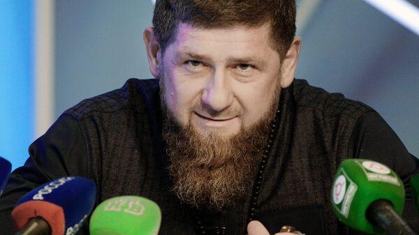 Глава Чеченской Республики Рамзан Кадыров отвечает на вопросы журналистов во время ежегодной пресс-конференции в Грозном. 28 октября 2018