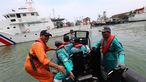 Поисковая операция на месте крушения Boeing 737 в Индонезии. 29 октября 2018 года