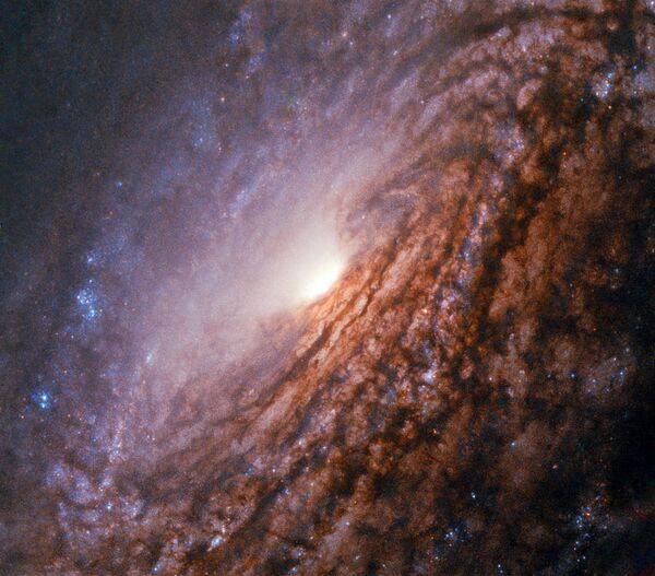 Сейфертовская галактика NGC 5033 в созвездии Гончие Псы