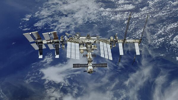 Астронавты Хейг и Кук заменят аккумуляторы на внешней поверхности МКС