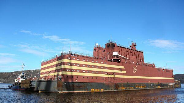Плавучая атомная энергетическая станция Академик Ломоносов в Мурманске
