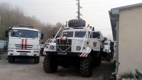 Спасатели МЧС России доставили механизированный мост для восстановления сообщения через реку Туапсе