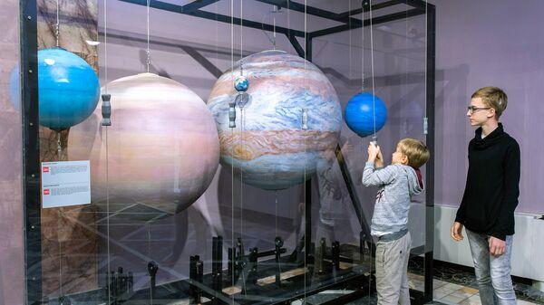 Павильон Космонавтика и авиация на ВДНХ