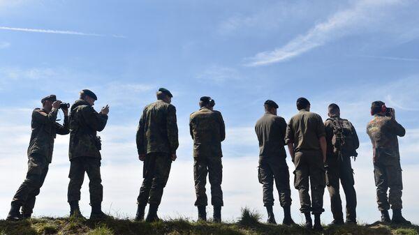 Солдаты во время учений в Германии. Архивное фото