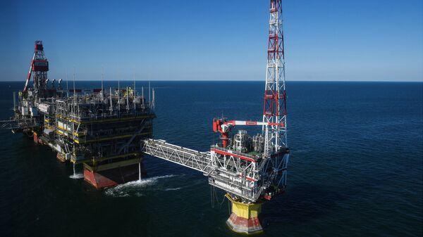 Нефтяное месторождение имени Филановского в Каспийском море. Архивное фото