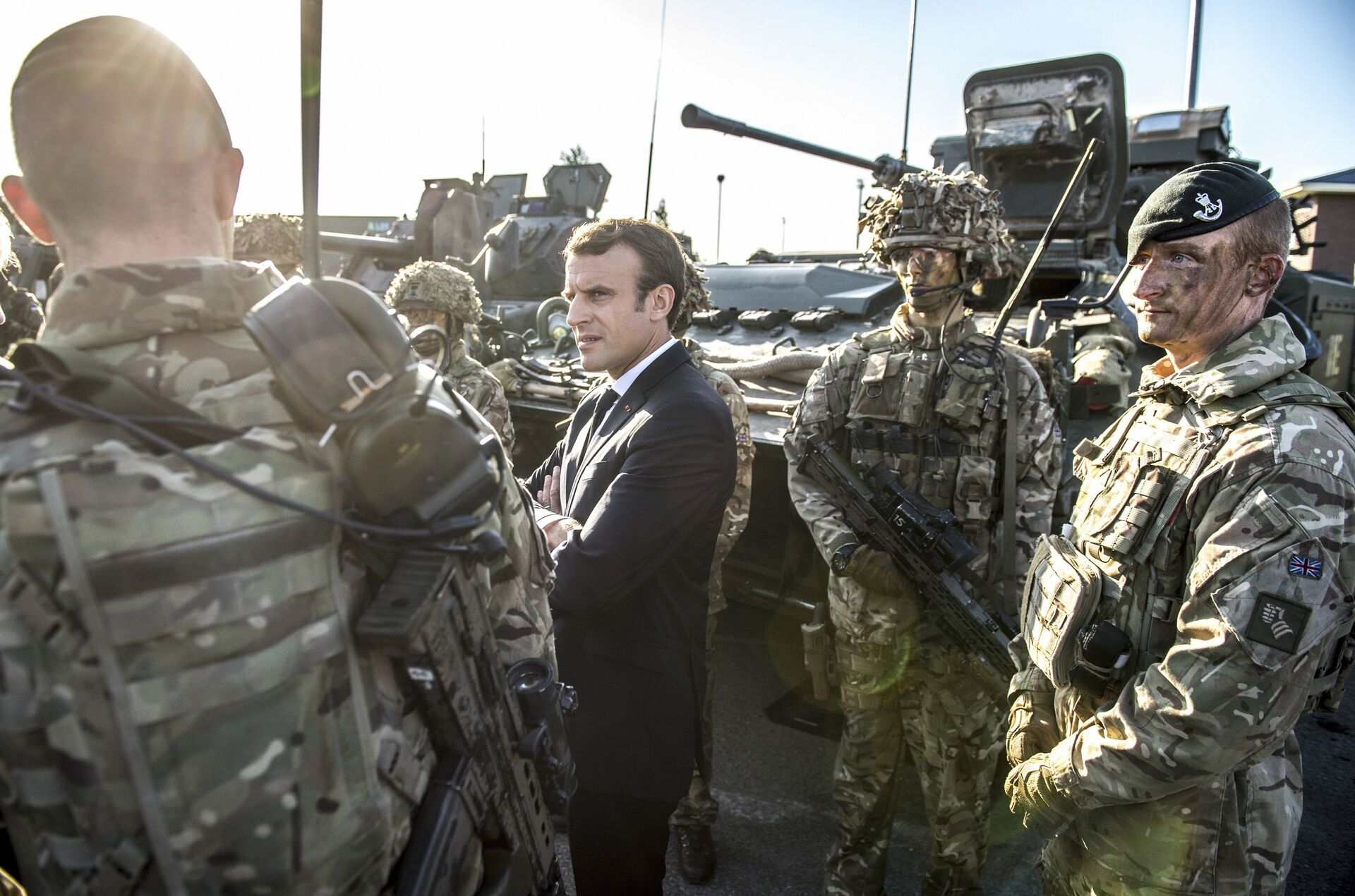 Президент Франции Эммануэль Макрон во время посещения военной базы НАТО в городе Тапа, Эстония - ПРОФИ Новости, 1920, 20.11.2020