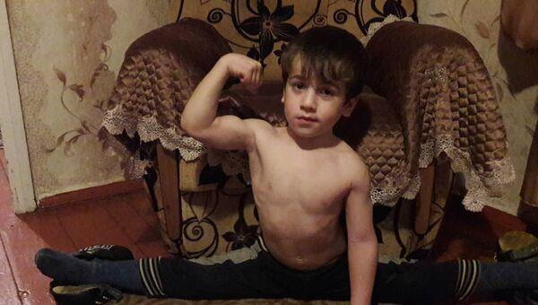 Чеченский Шварценеггер: пятилетний мальчик отжался 4105 раз за 146 минут