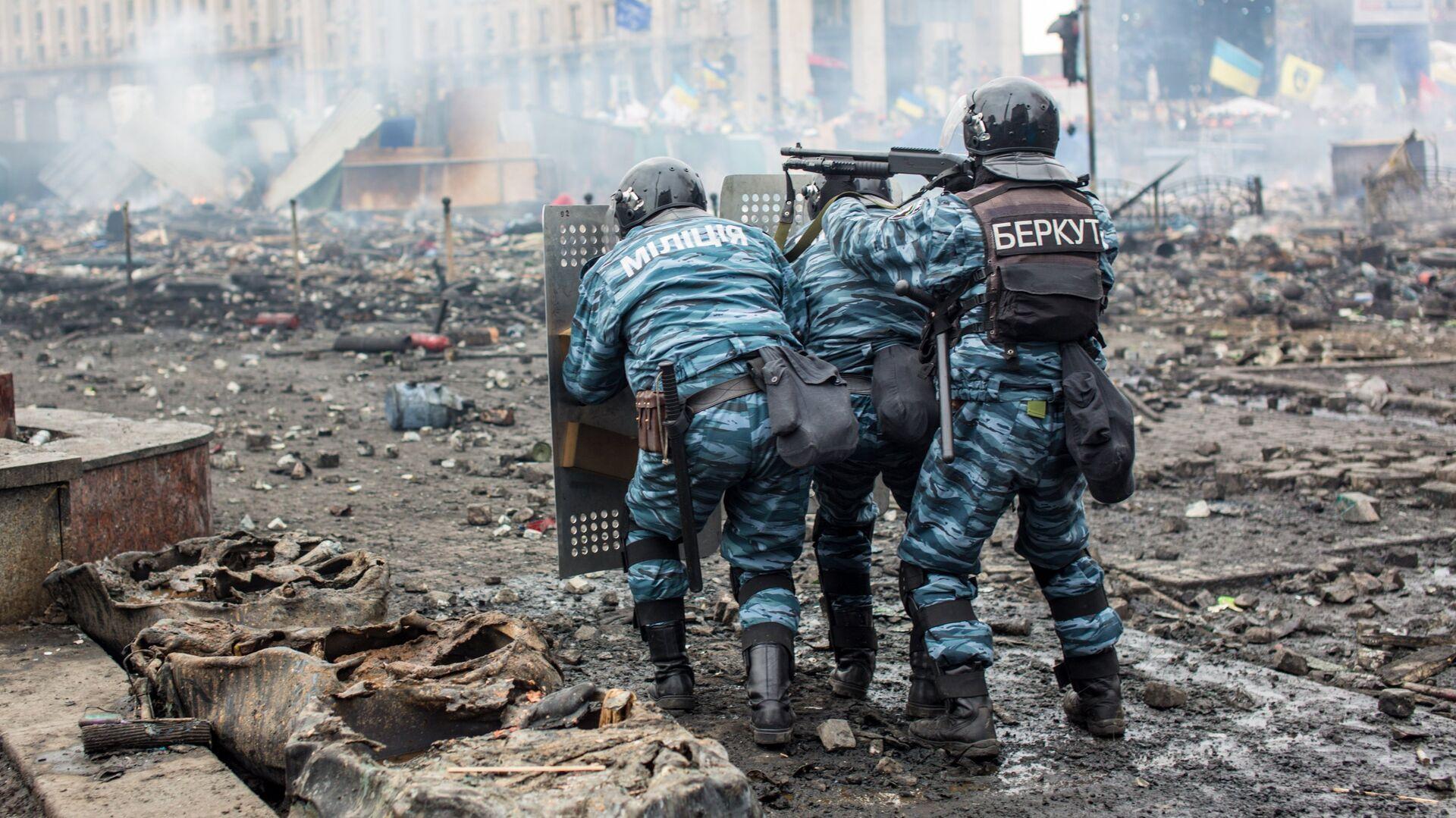 """На Украине восстановили в должности осужденного экс-""""беркутовца"""""""