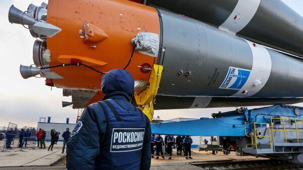 Вывоз ракеты Союз-2.1а на стартовую площадку космодрома Восточный. Архивное фото