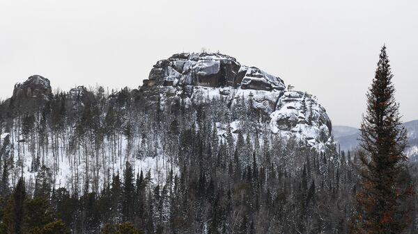 Скала Второй столб на территории государственного природного заповедника Столбы вблизи Красноярска