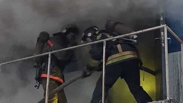 Пожар на станции техобслуживания в Октябрьском районе Новосибирска. 27 ноября 2018