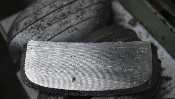 Высокопрочный сплав алюминия и магния, легированный добавками скандия и циркония