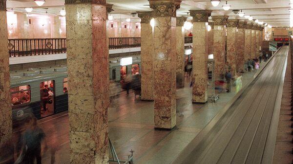 На станции Комсомольская радиальной линии Московского метрополитена