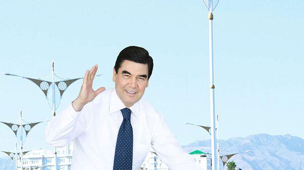Президент Туркменистана Гурбангулы Бердымухамедов на велосипеде