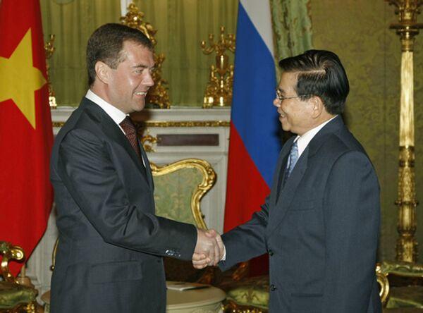 Президенты России и Вьетнама Дмитрий Медведев и Нгуен Минь Чиет