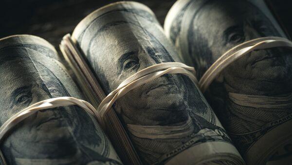 Американские доллары. Архивное фото