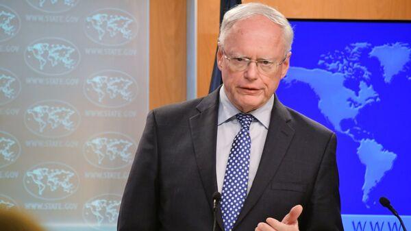 Специальный представитель госсекретаря США по Сирии Джеймс Джеффри во время брифинга. 3 декабря 2018