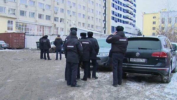 Сотрудники полиции у гостиницы Саранск. 4 декабря 2018