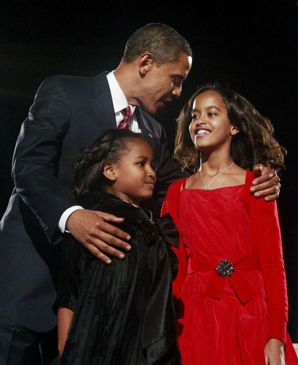 Новый президент США Барак Обама с дочерьми