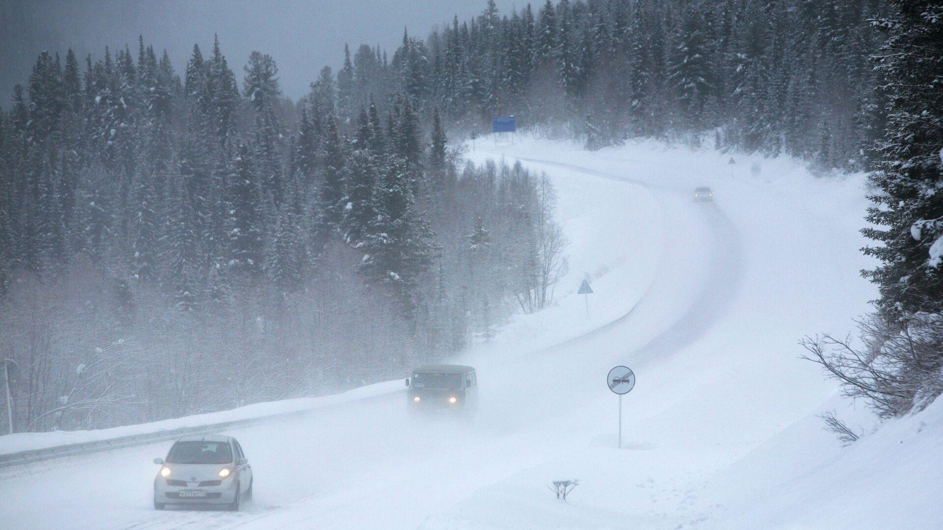 На Ямале автобус сломался на трассе при 48-градусном морозе