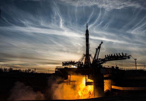 Старт ракеты-носителя Союз-ФГ с пилотируемым кораблем Союз МС-11 со стартового стола первой Гагаринской стартовой площадки космодрома Байконур