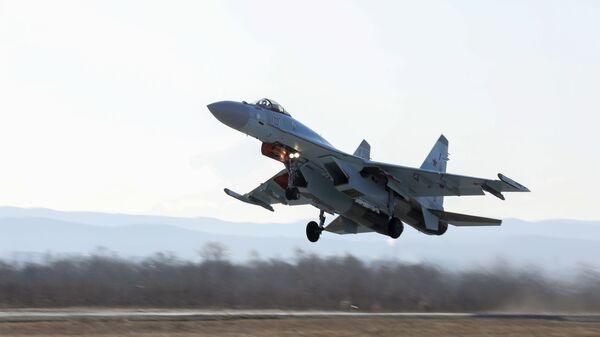 Выступление пилотажной группы Соколы России  во Владивостоке
