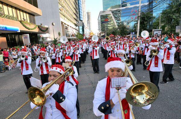 Новогоднее шествие в Панаме