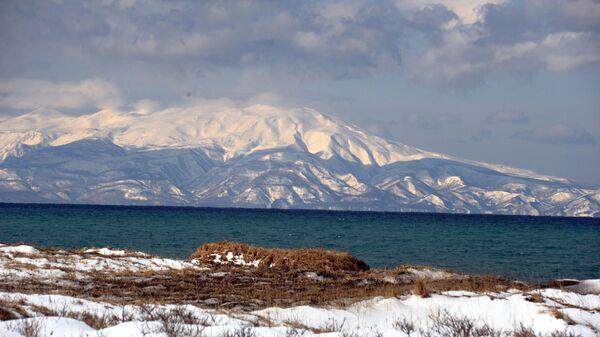 Вид на остров Хоккайдо с острова Кунашир
