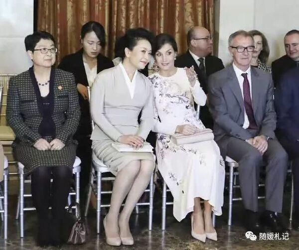 Для высоких гостей артисты исполнили три знаменитые арии из последнего акта оперы - «Пусть никто не спит» (Nessun dorma), «Не плачь, Лю» (Non piangere, Liu) и «Господин, услышь! » (Signore,ascolta!).