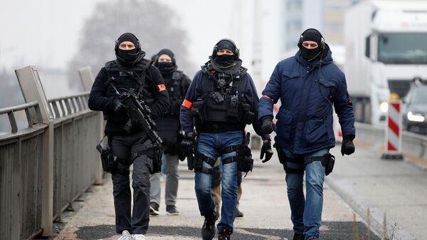 Сотрудники сил специального назначения Франции в Страсбурге.