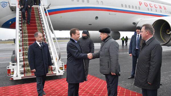 Дмитрий Медведев прибыл в Брест для участия в заседании Совета министров Союзного государства России и Белоруссии. 13 декабря 2018