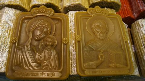 Восковые иконы на православном фестивале Артос в Сокольниках, Москва