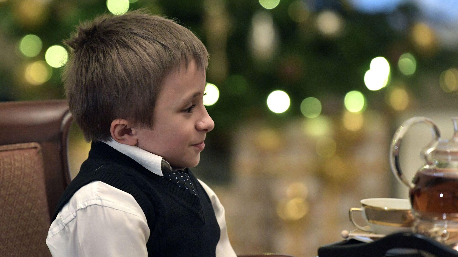 Обои подарок, Поздравление, Девочка, мальчик, дети. Настроения foto 14