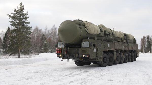 Подвижный грунтовый ракетный комплекс Ярс