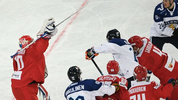 Игровой момент матча Кубка Первого канала Россия - Финляндия
