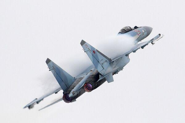 Российский многоцелевой сверхманёвренный истребитель Су-35