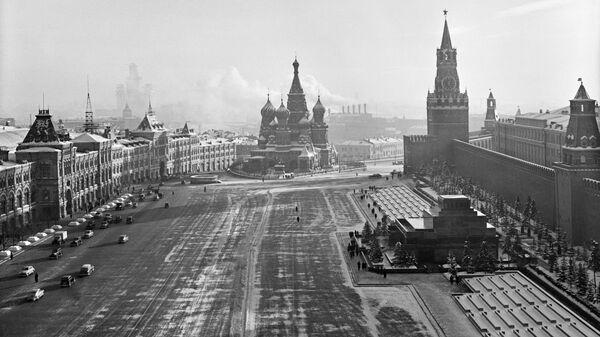 Красная площадь. Москва, 1947 год
