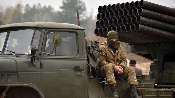 Украинская реактивная система залпового огня БМ-21 Град во время учений
