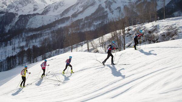 Тренировка членов сборной Вооруженных Сил Российской Федерации по ски-альпинизму