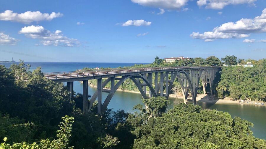 Puente de Bacunayagua – самый высокий мост на Кубе