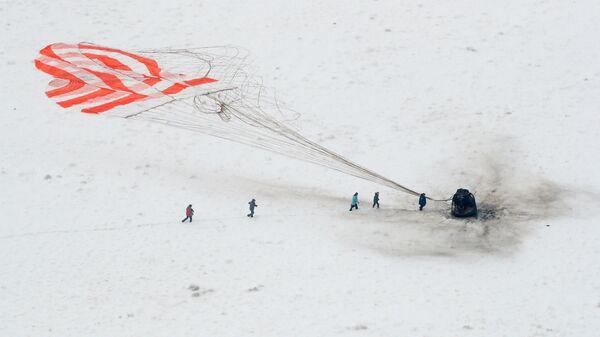 Поисковая группа в районе приземления спускаемой капсулы корабля Союз МС-09. 20 декабря 2018
