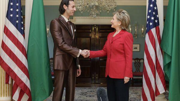Сын Муаммара Каддафи Мутассим во время переговоров с Хиллари Клинтон, 2009 год