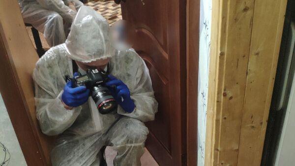 Следственно-оперативная группа на месте убийства женщины и детей в Заволжском районе города Ульяновска
