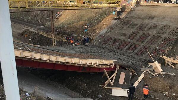 Обрушение автомобильного моста в городе Буйнакске в Дагестане. 25 декабря 2018
