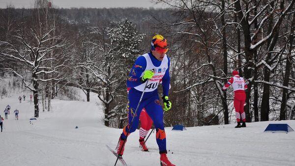 Российский лыжник Александр Бессмертных