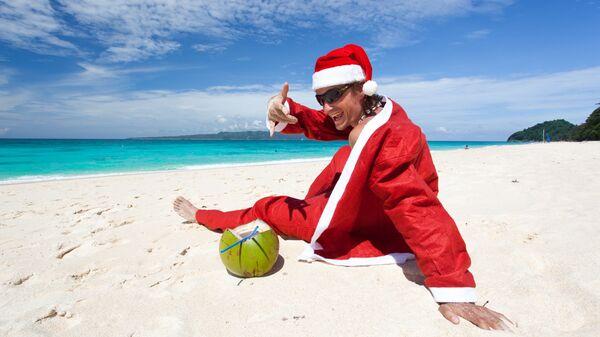 Санта-Клаус на пляже